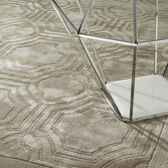 Patterned rug in sand finish