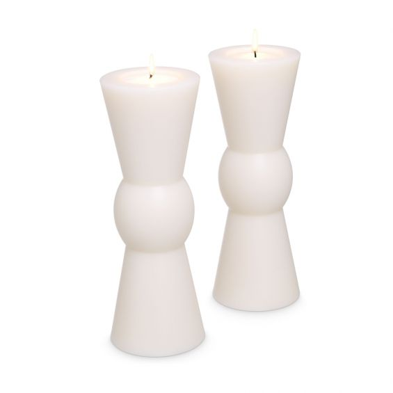A set of 2 white sculptural candles by Eichholtz