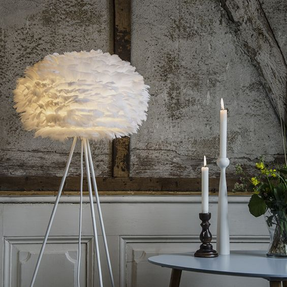 White feather detailed pendant shade