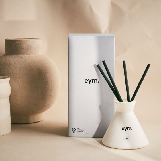 A wonderfully aromatic 100% natural room diffuser with cotton reeds