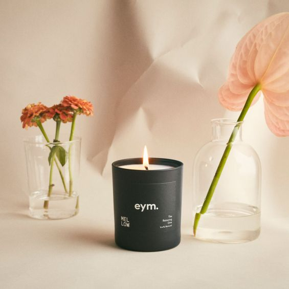 A luxurious relaxing natural candle with notes of lavender and vetiver