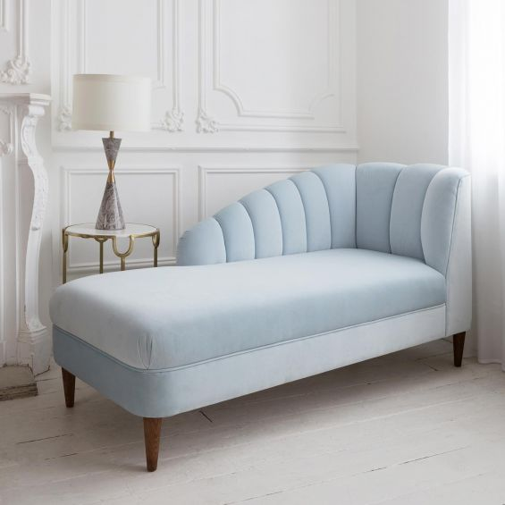 Curvaceous, art deco sea-shell design chaise longue with tapered legs