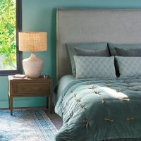 Arianne Bedside Table