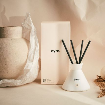 An aromatic 100% natural room diffuser with cotton reeds