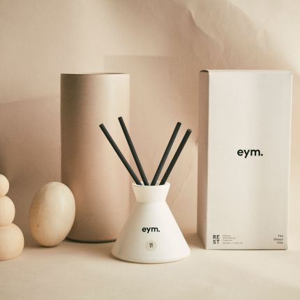 Luxurious chic white room diffuser