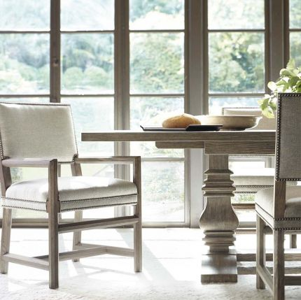 Gorgeous scandinavian inspired dining table