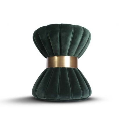 A feminine stool with a velvet upholstery and a glamorous copper plated ring