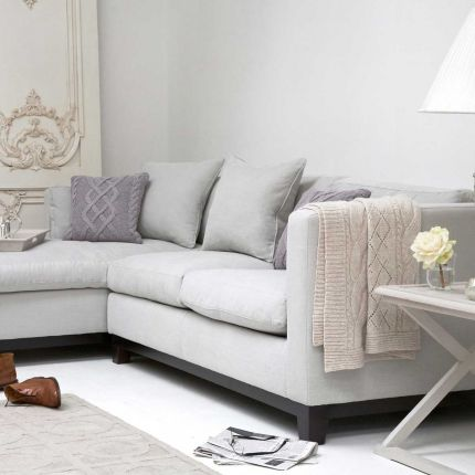Modern L-shaped chaise chic style sofa with luxury rectangular cushions