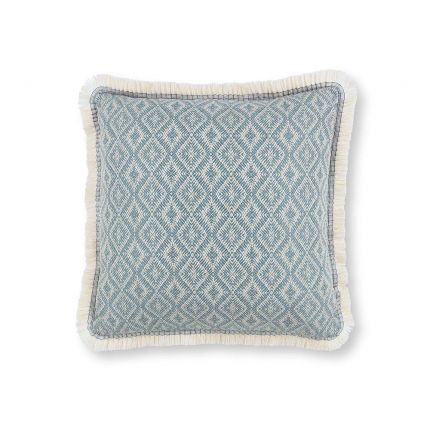 A jacquard woven outdoor cushion with a geometric pattern and cute fringe.
