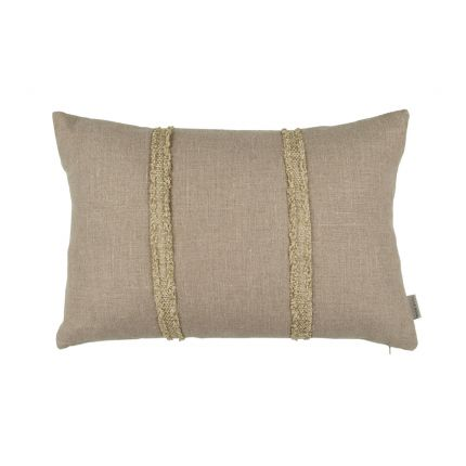 A luxurious linen 60 x 40 cm cushion with chenille fringing