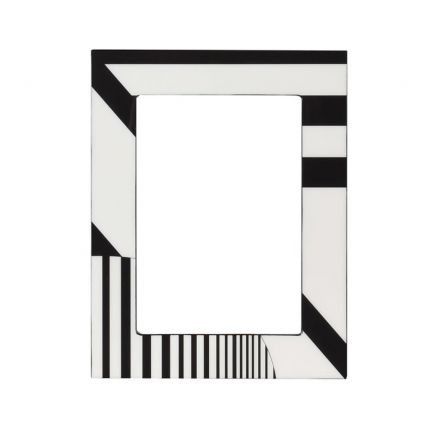 A chic black and cream picture frame